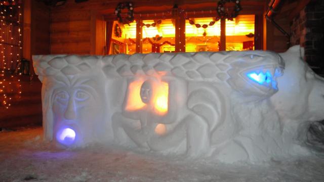 Demonstration der Schneeskulpt